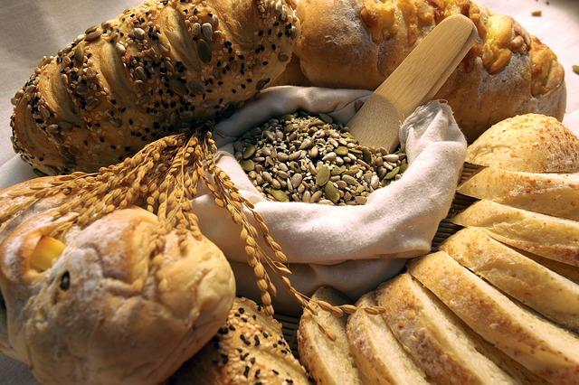 Imagens de pães e sementes.
